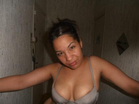 Aya, 29 cherche une relation sexe