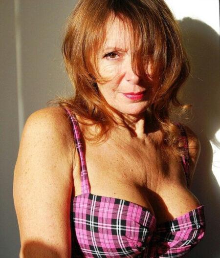 Sabrina, 55 cherche un rdv coquine